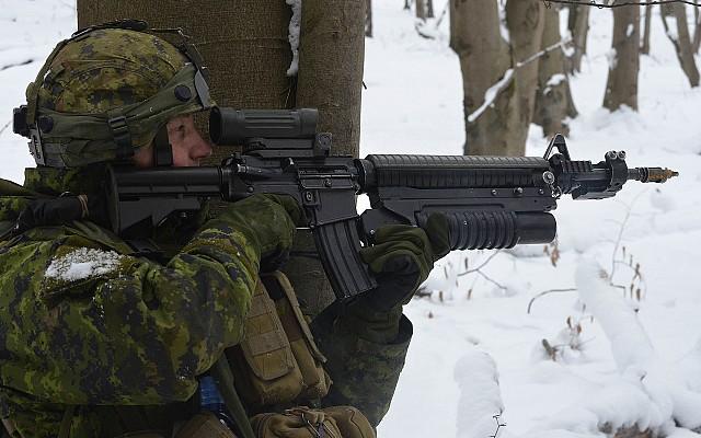 Colt Canada C7A2