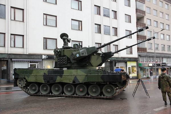 Marksman on Leopard 2 chassis