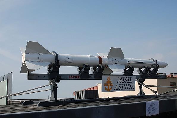 Aspide missile